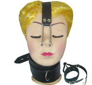 Nose hook with leather collar