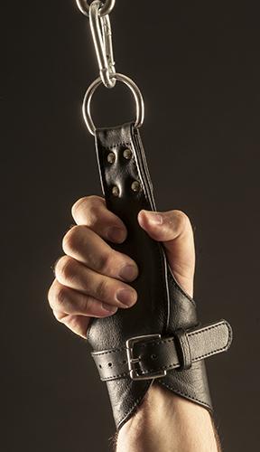 Handcuffs for suspension