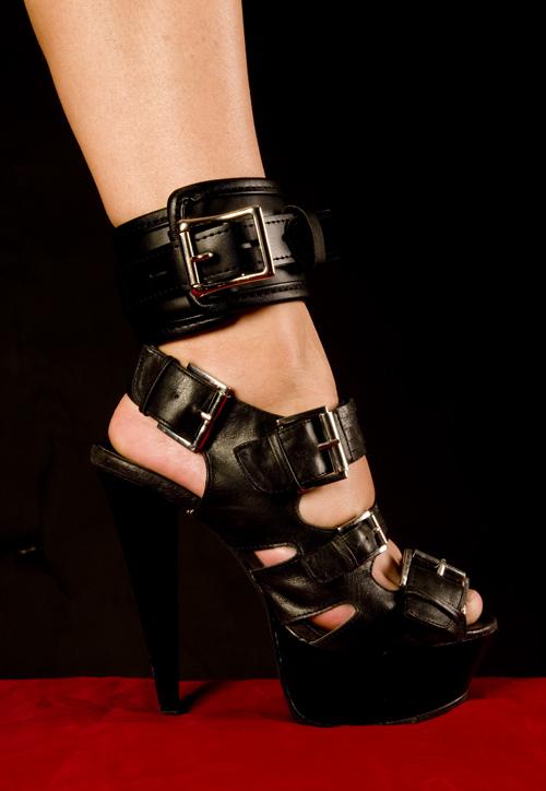Vegan Footcuffs